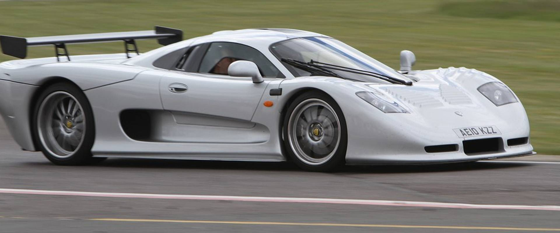 The Mosler MT 900S - Raw but Rewarding